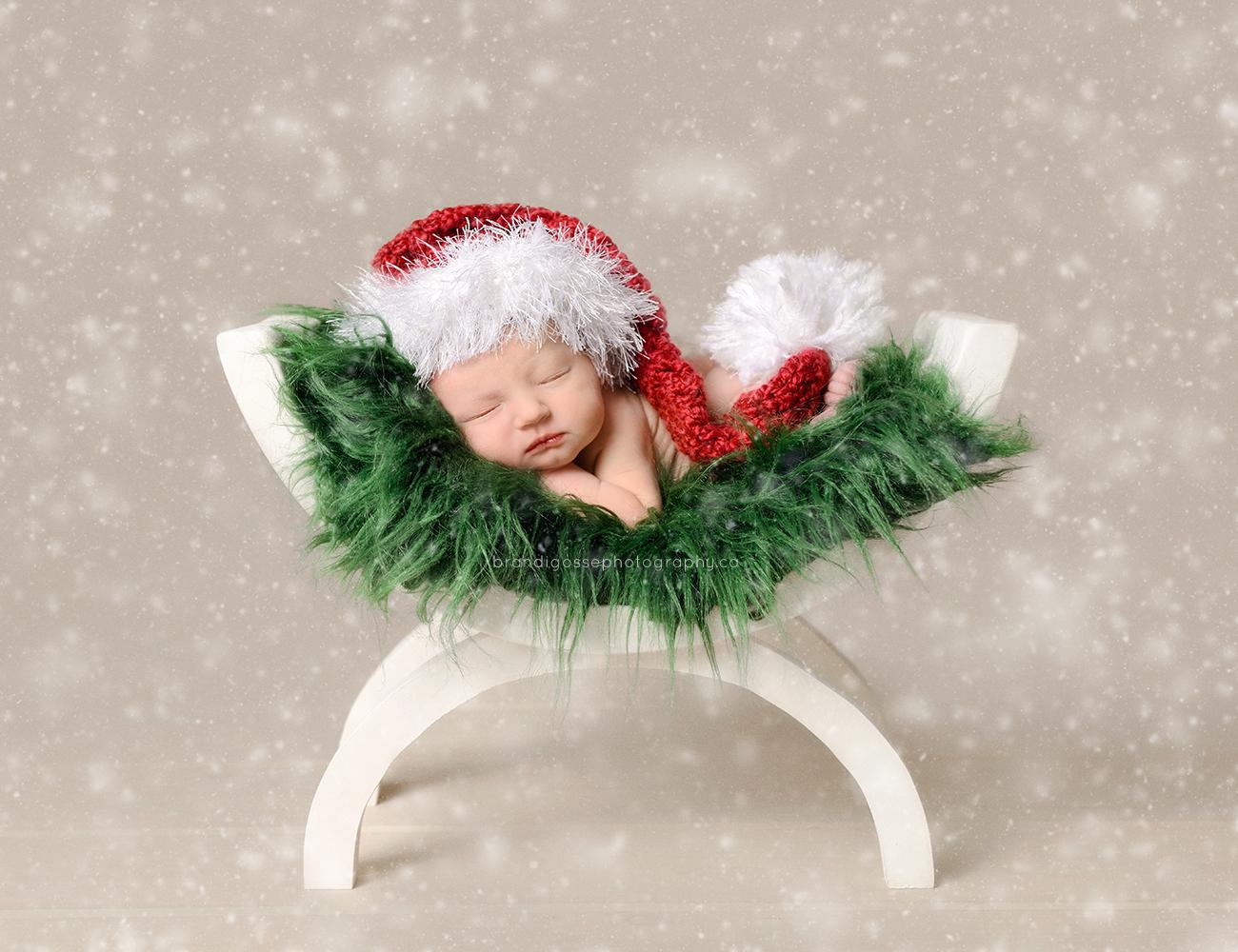 newborn baby christmas theme photo, best christmas baby portraits, newborn photographer NL